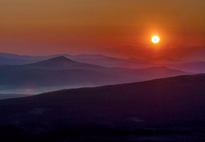 NATT I FJELLET: Midtsommernatt i Rondane nord. Teknisk: Nikon D750, Sigma 70-200mm@86mm, Iso 200, f 10, 1/1000sek