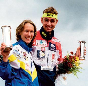 TO KONGEPOKALER: Bernt Bjørnsgaard og Hanne Staffsikret kongepokalene både i 1998 og 2001. Foto: NTB