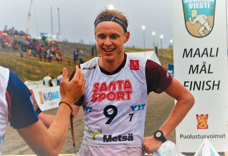 FORNØYD: Jon Aukrust Osmoen var fornøyd etter å ha løpt Nydalens SK inn til 6. plass i Jukola. FOTO: IVAR HAUGEN, NOF